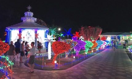 cayman_26_xmaslights1