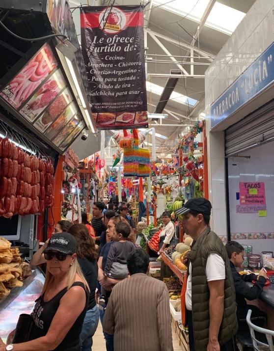 Mercado de la Cruz scene