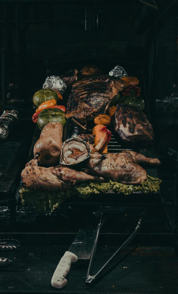 Various grilled meats, chicken and vegetables